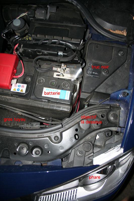 le jaimebocou changer une ampoule de phare sur ma voiture forum les caravaniers2 com. Black Bedroom Furniture Sets. Home Design Ideas